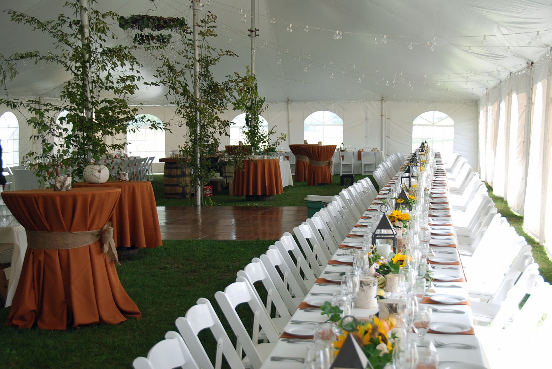 Tent-interior-ling-table-and-bar